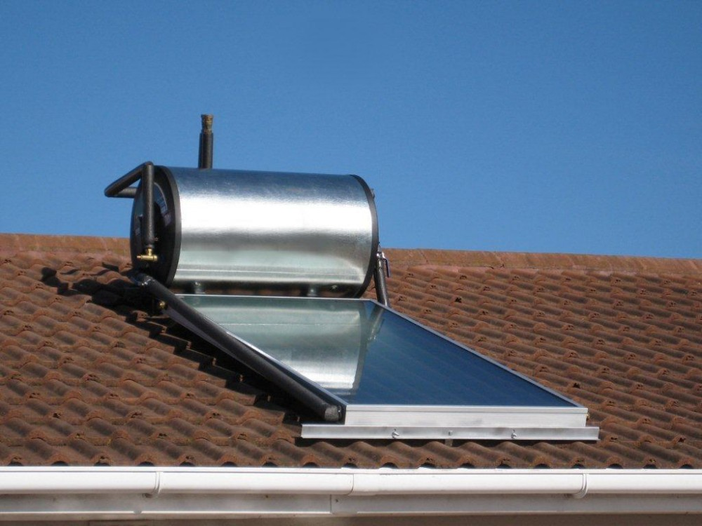 150l-kwikot-solar-geyser-with-one-flat-panel-on-pitched-roof-thermosiphon